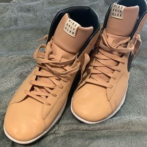High boots NIKE size 10.5